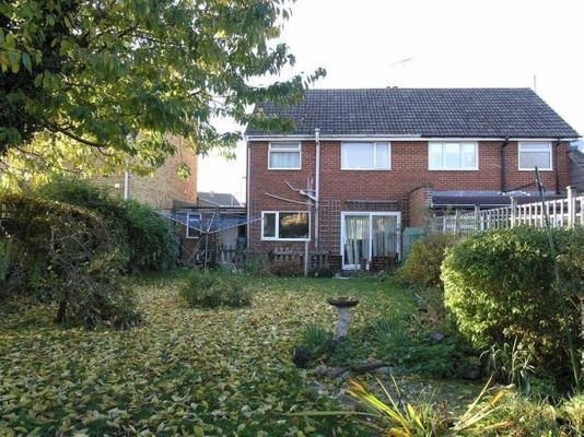 Property Valuation For 11 Charlieu Avenue Calne Wiltshire Sn11 0ld The Move Market
