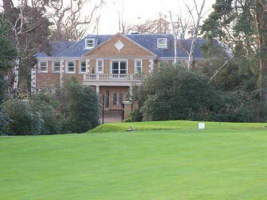 Property Valuation For Medomsley Camp End Road Weybridge Elmbridge Surrey Kt13 0nu The Move Market