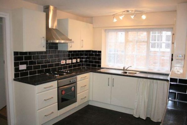 Property Valuation For Jumbo House High Street Thorpe Le Soken Clacton On Sea Tendring Essex Co16 0dy The Move Market