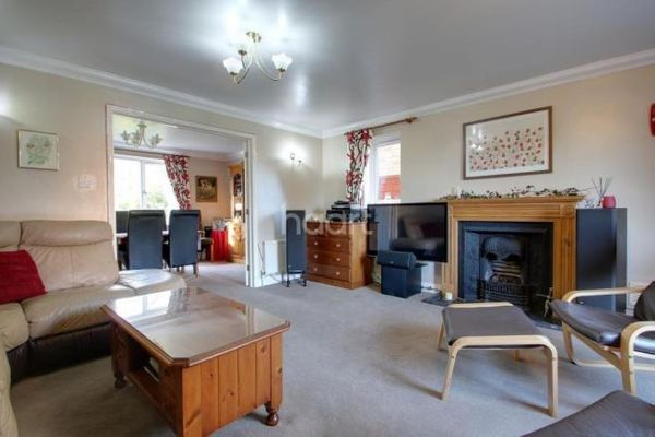 Property valuation for 14 Cranesbill Drive, Bury St ...